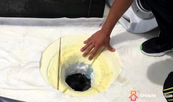 Отверстие в кровельном пироге