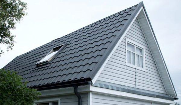 Мансардная крыша под металлочерепицей