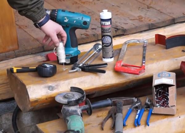 Минимальный набор инструментов для монтажа отливов