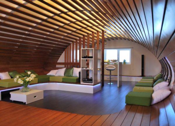 Перед тем как начать строительство мансарды, необходимо продумать будущий стиль интерьера, определиться с цветовым решением, размещением мебели
