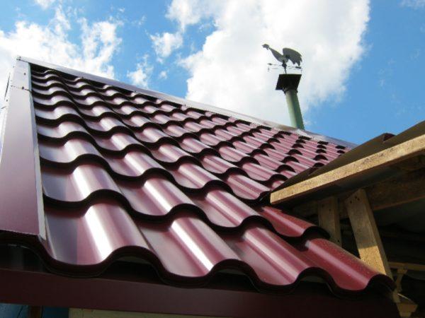 Срок службы металлочерепицы зависит от качества полимерного покрытия
