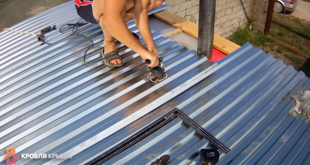 Чем лучше покрыть крышу в гараже