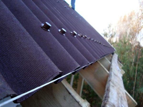Крыша из ондулина – фото
