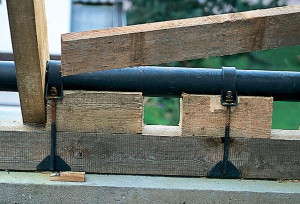 Мауэрлат, усиленный стальными трубами