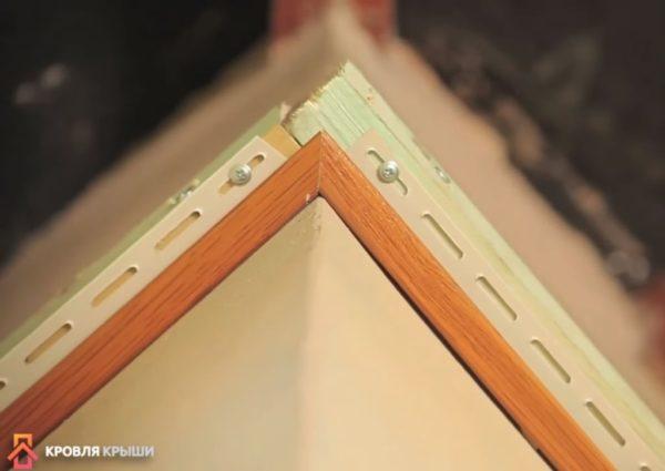 Стыковка планок в углу здания