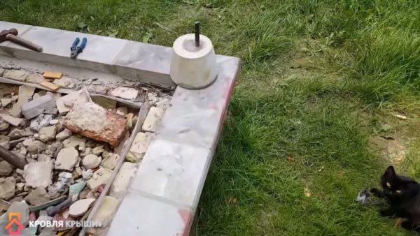 Внутреннее пространство заполнено бетоном