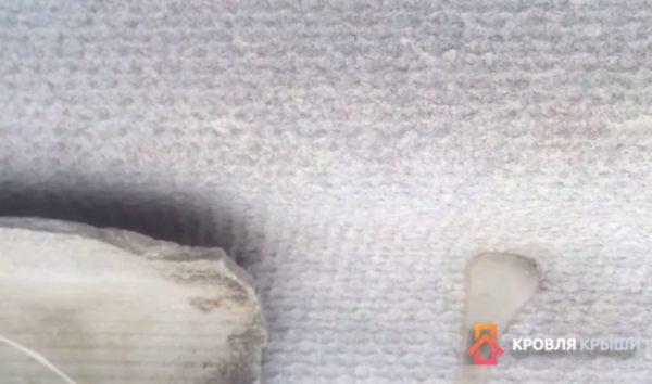 Клей можно наносить методом налива