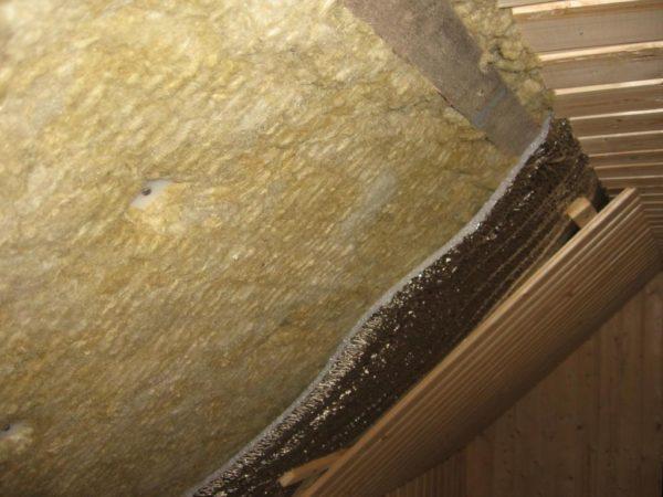 Чем выше плотность матов минеральной ваты, тем выше показатели теплопроводности