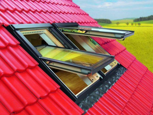 Наклонные мансардные окна следует не забывать закрывать во время сильного дождя, иначе на полу будет лужа