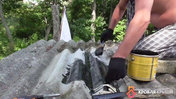 Нанесение мастики поверх сетки