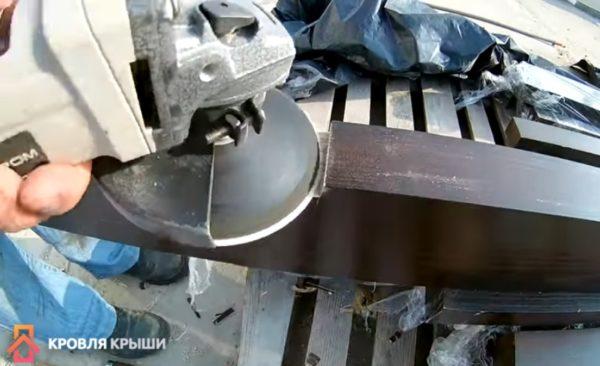 Выравнивание болгаркой с диском по металлу