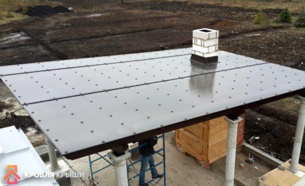 Готовая крыша из поликарбоната