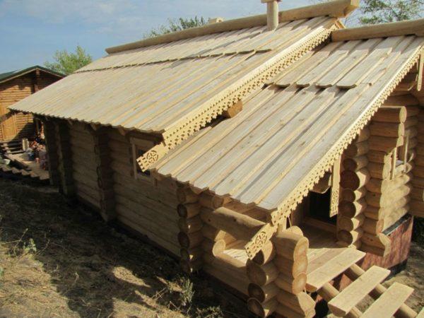 крыши деревянного дома