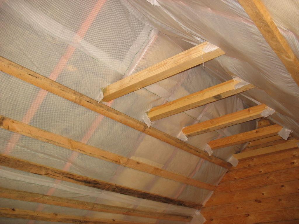 Как утеплить крышу изнутри своими руками