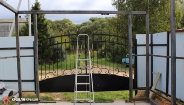 Вид на проем под ворота