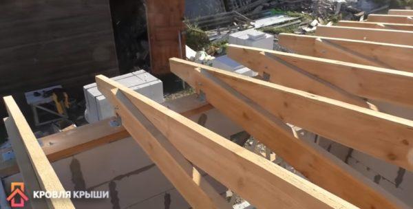 Фото стропил односкатной крыши пристройки к дому