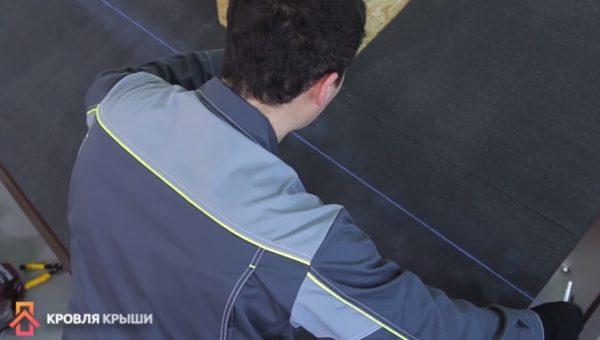Проведение разметки мелованной веревкой