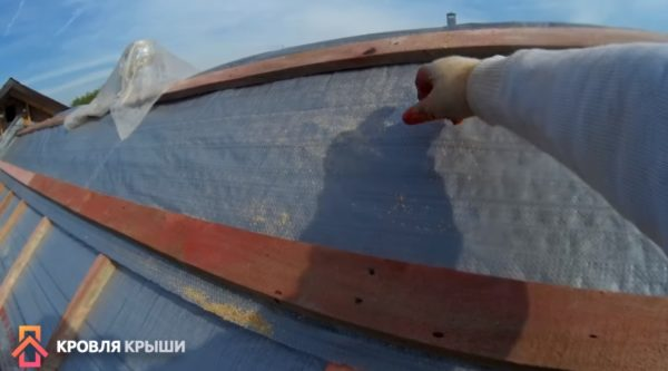 Крепление полотна на коньке