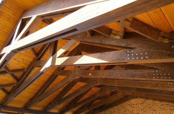 Конструкцию стропил можно посмотреть в уже отстроенном здании