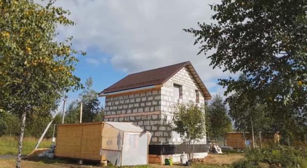 Крыша дома – очень сложная и ответственная нагруженная конструкция