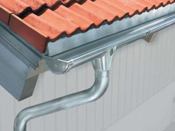 Водостоки для крыши металлические