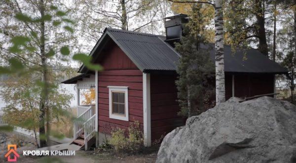 Покрытая ондулином крыша