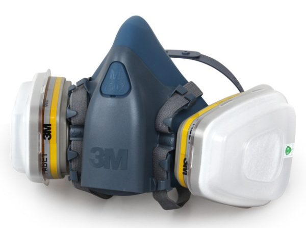 Для работы с большим количеством шифера следует выбирать качественный противопылевой респиратор со сменными фильтрами