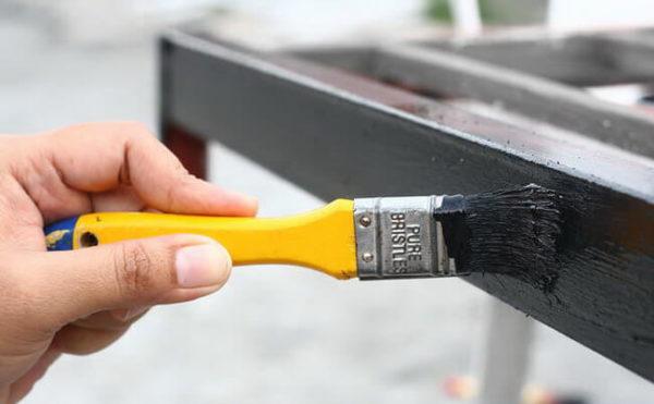 Для защиты от коррозии все металлические элементы необходимо покрасить