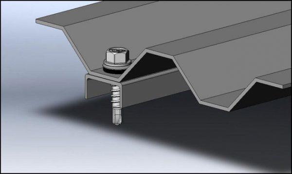 Больший диаметр и длина бура самореза по металлу обеспечивает плотное примыкание полотен материала при монтаже
