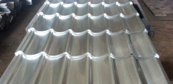 Важно учитывать толщину цинкового покрытия листов металлочерепицы