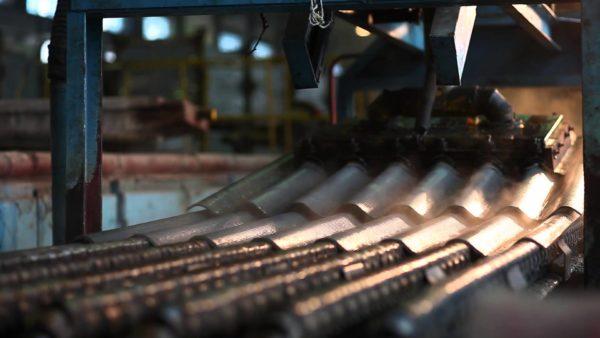 На предприятиях по производству шифера персонал также подвергается вредному воздействию асбестовой пыли