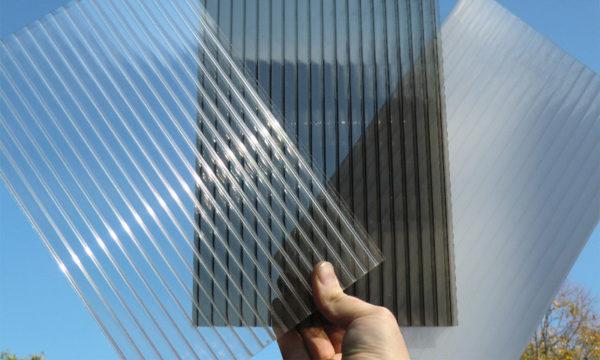 Прозрачность поликарбоната может достигать 90%