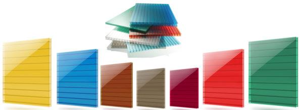 Широкая цветовая гамма позволяет легко подобрать поликарбонат, который будет гармонировать с окружающими постройками