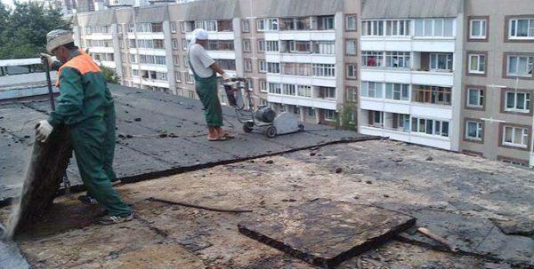 Капитальный ремонт крыши требует обязательного демонтажа старых кровельных покрытий