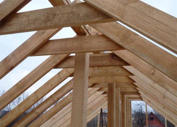Стропильная система крыши изначально рассчитана на большие нагрузки