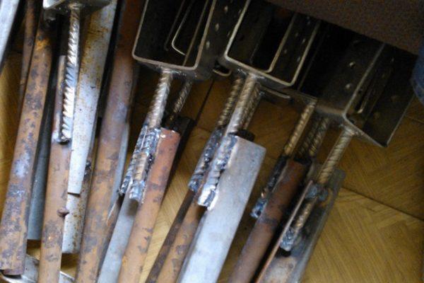 Анкерные опоры для бетонирования стоек