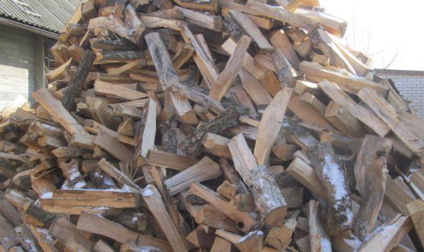 Колоть дрова легче на морозе
