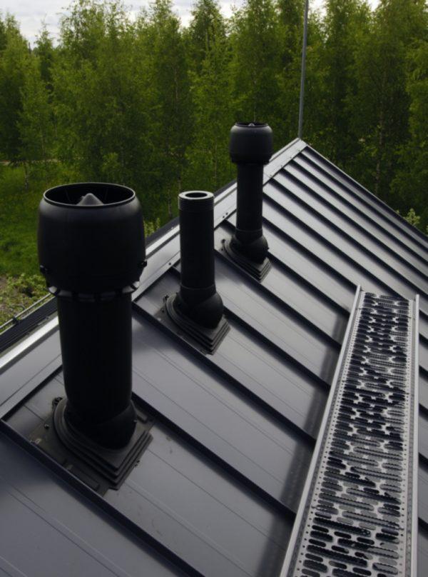Вентиляционный выход на крышу должен сохранять устойчивость конструкции при самых неблагоприятных погодных условиях