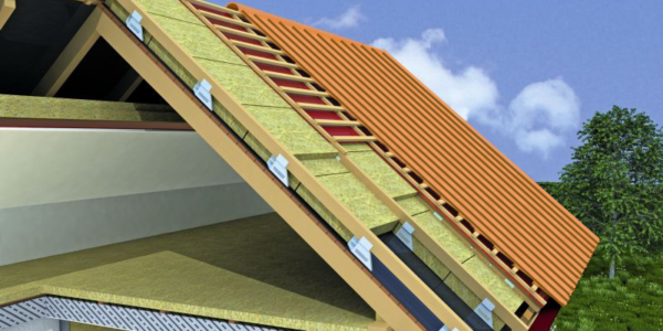 При утеплении крыши минеральной ватой не рекомендуется использовать в качестве гидроизоляции пленку