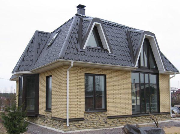 Пример крыши с большим углом наклона