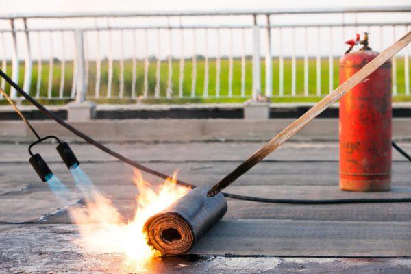 Как пользоваться газовой горелкой для кровельных работ