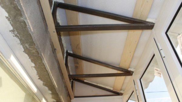 Каркас для остеклённого балкона